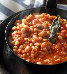 beans braised with tomato and sage